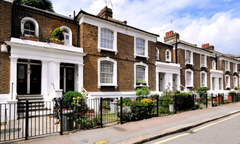 UK property prices increase more than earnings in London and South East